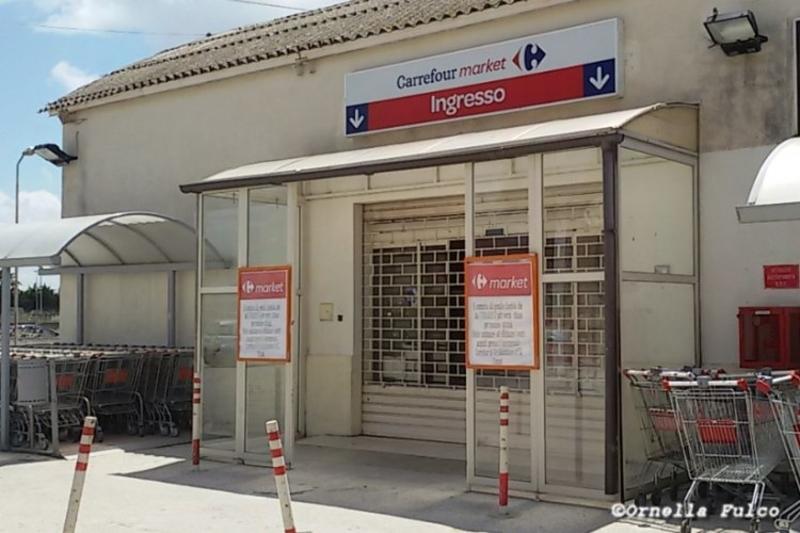 Carrefour Tavoli Da Esterno.Supermercati Carrefour Dipendenti In Stato Di Agitazione