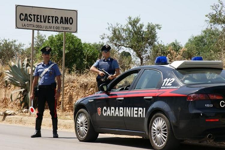 Coltivava marijuana in casa, 28enne arrestato dai Carabinieri