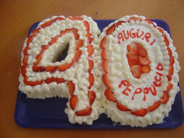Torta Di Compleanno Panna E Fragole Numero 40 Trapani Oggi