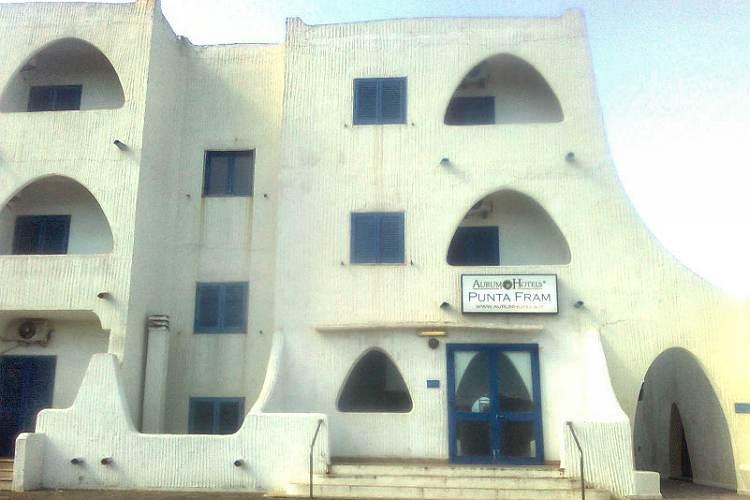 Prenota vacanza in hotel lussuoso e trova struttura in abbandono ... 1ae973264eec